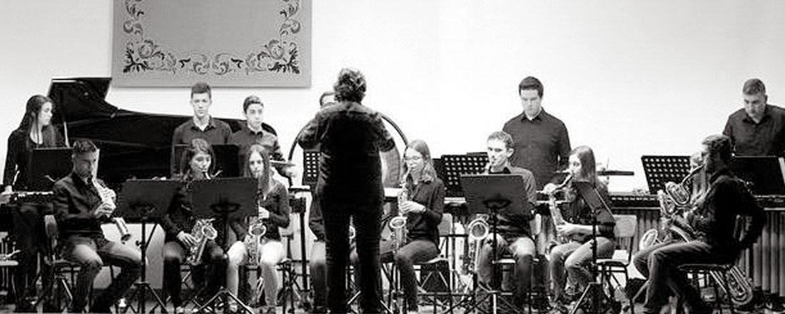 Ensemble de saxofones & Grupo de percusión
